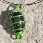 pendentif vert perle bois ovale