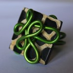 bague verte carrée