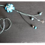 sautoir 3 boutons bleus