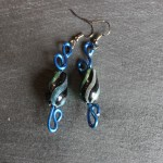 boucles bleues perle noire