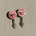 bouton rose, libellule et feuille