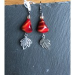 boucles perle rouge feuille