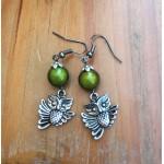 hibou et perle verte brillante